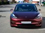 Tesla Model 3 helfoliert med Gloss Red Black fra KPMF