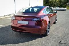 Tesla Model 3 helfoliert med Gloss Red Black fra KPMF-7