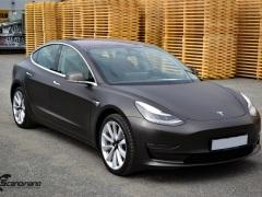 Tesla Model 3 helfoliert med Matt Diamond Black fra PWF-5