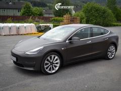 Tesla Model 3 helfoliert med Matt Diamond Black fra PWF-8