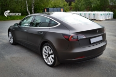 Tesla Model 3 helfoliert med Matt Diamond Black fra PWF-10