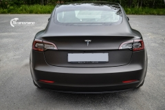 Tesla Model 3 helfoliert med Matt Diamond Black fra PWF-11