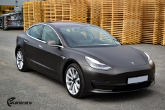 Tesla Model 3 helfoliert med Matt Diamond Black fra PWF-5