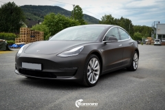 Tesla Model 3 helfoliert med Matt Diamond Black fra PWF-7