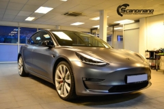 Tesla Model 3 helfoliert med Satin Dark Grey fra 3M-1