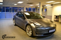 Tesla Model 3 helfoliert med Satin Dark Grey fra 3M-13