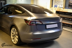 Tesla Model 3 helfoliert med Satin Dark Grey fra 3M-7