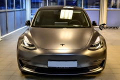 Tesla Model 3 helfoliert med Satin Dark Grey fra 3M-8