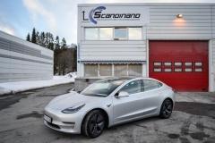 Tesla Model 3 helfoliert med Satin Silver Metallic fra 3M-15