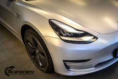Tesla Model 3 helfoliert med Satin Silver Metallic fra 3M-3