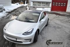 Tesla Model 3 helfoliert med Satin Silver Metallic fra 3M-7