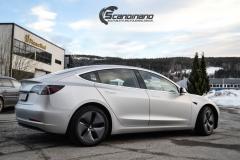 Tesla Model 3 helfoliert med Satin Silver Metallic fra 3M-8
