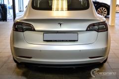 Tesla Model 3 helfoliert med Satin Silver Metallic fra 3M