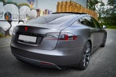 Tesla Model S foliert med Satin Dark Grey ,Solfilm Astolpe, Chrome delete -2