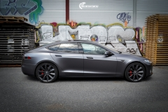Tesla Model S foliert med Satin Dark Grey ,Solfilm Astolpe, Chrome delete -3