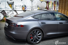 Tesla Model S foliert med Satin Dark Grey ,Solfilm Astolpe, Chrome delete -4