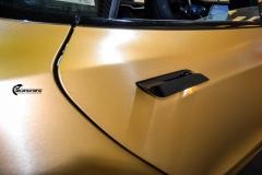 Tesla Model S helfoliert i brushed bronze fra Avery-2