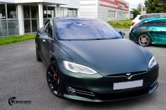 Tesla Model S helfoliert med Matt Smaragd fra PWF-13