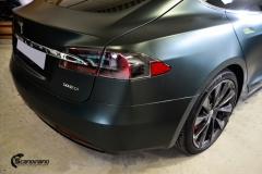 Tesla Model S helfoliert med Matt Smaragd fra PWF-2