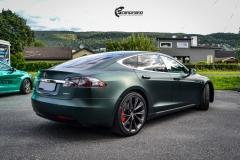 Tesla Model S helfoliert med Matt Smaragd fra PWF-4
