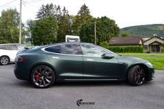 Tesla Model S helfoliert med Matt Smaragd fra PWF-5