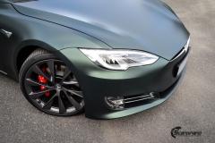 Tesla Model S helfoliert med Matt Smaragd fra PWF-6