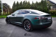 Tesla Model S helfoliert med Matt Smaragd fra PWF-9