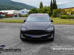 Tesla-Model-X-foliert-i-MATT-LAKKBESKYTTELSESFILM-fra-HEXIS-7-1