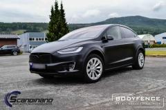 Tesla-Model-X-foliert-i-MATT-LAKKBESKYTTELSESFILM-fra-HEXIS-6