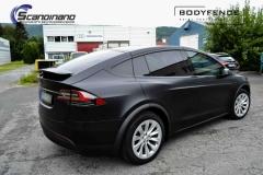Tesla-Model-X-foliert-i-MATT-LAKKBESKYTTELSESFILM-fra-HEXIS-8-1