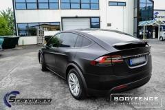 Tesla-Model-X-foliert-i-MATT-LAKKBESKYTTELSESFILM-fra-HEXIS-9-1