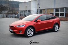 Tesla model X Helfoliert i Anodized red 2.0 fra PWF