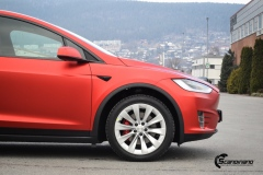 Tesla-model-X-Helfoliert-i-Anodized-red-2.0-fra-PWF-2