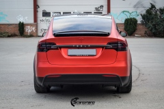 Tesla-model-X-Helfoliert-i-Anodized-red-2.0-fra-PWF-5