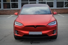 Tesla-model-X-Helfoliert-i-Anodized-red-2.0-fra-PWF-8