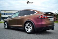 Tesla Model X helfoliert med CC4210 Matt Sparkling Berry fra PWF (10 из 12)