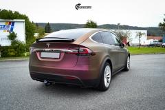 Tesla Model X helfoliert med CC4210 Matt Sparkling Berry fra PWF (2 из 12)