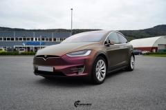 Tesla Model X helfoliert med CC4210 Matt Sparkling Berry fra PWF (6 из 12)