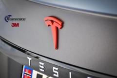 Tesla S foliert med matte dark-grey fra 3m solfilm chrome delete