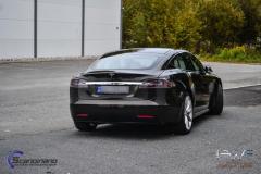 Tesla S foliert med night gold metallic by pwf