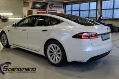 tesla-s-foliert-i-pacific-bluewhite-starlight-4