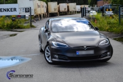 tesla-model-s-foliert-i-black-brushed-aluminim-10