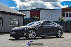tesla-model-s-foliert-i-black-brushed-aluminim-3