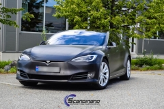 tesla-model-s-foliert-i-black-brushed-aluminim-4