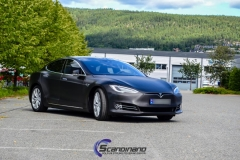 tesla-model-s-foliert-i-black-brushed-aluminim-5