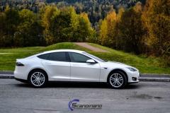 Tesla-S-foliert-i-Matt-Diamond-Hvit-Scandinano_-8