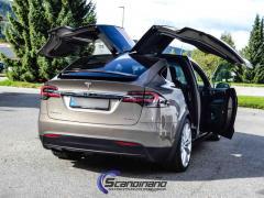 Tesla-Model-X-foliert-LAKKBESKYTTELSESFILM-fra-HEXIS-10