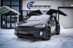 Tesla-X-Foliert-i-Black-Satin-by-Scandinano_-3