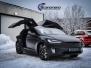Tesla X Foliert med Black Satin