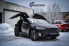 Tesla X Foliert i Black Satin by Scandinano_